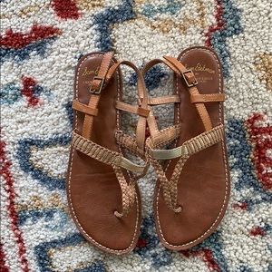 America Eagle brown sandals size 7 1/2